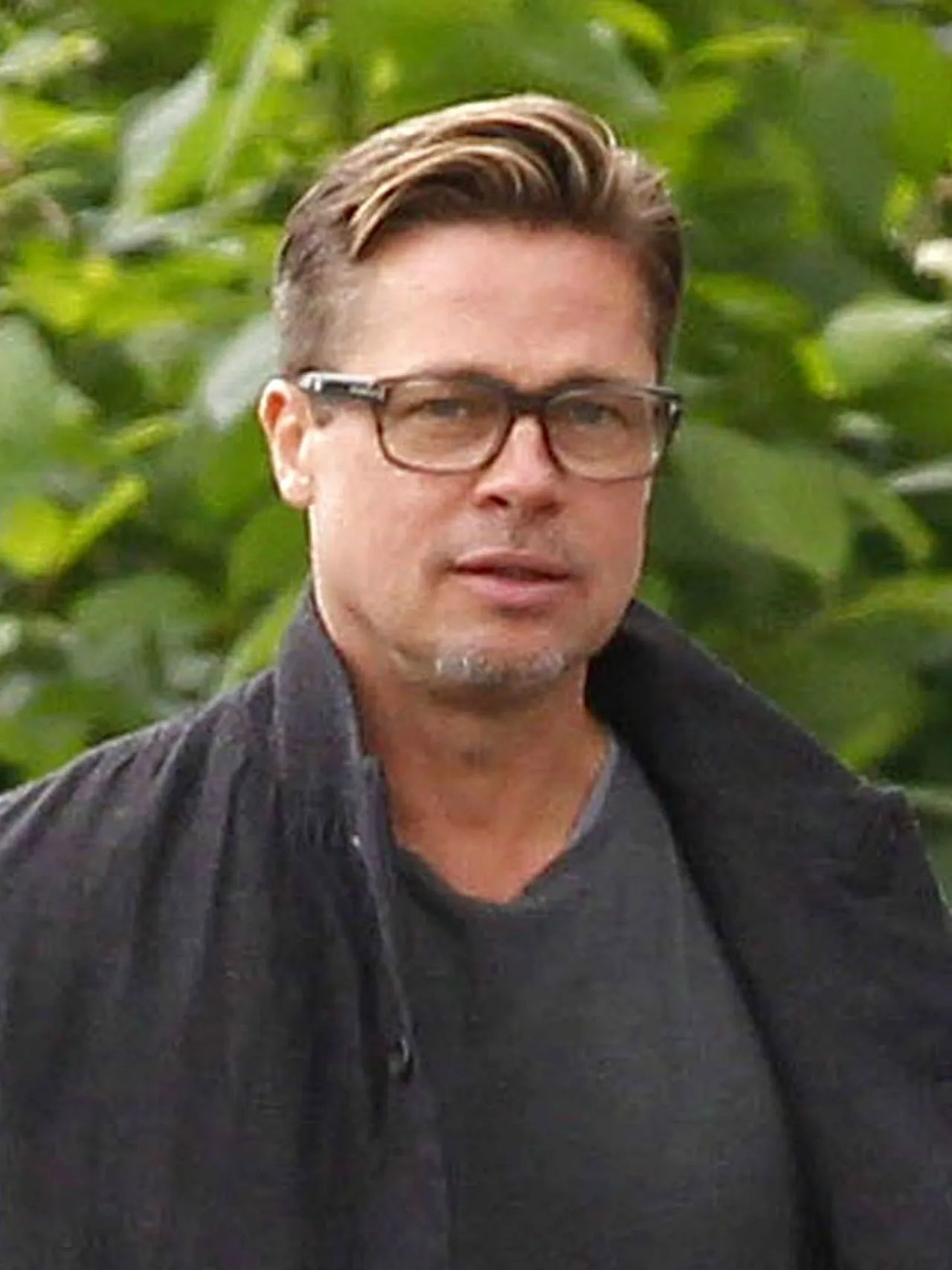 How Brad Pitt and Um His Sexy New Haircut Gave One Couple a Huge Wedding Surprise  Glamour