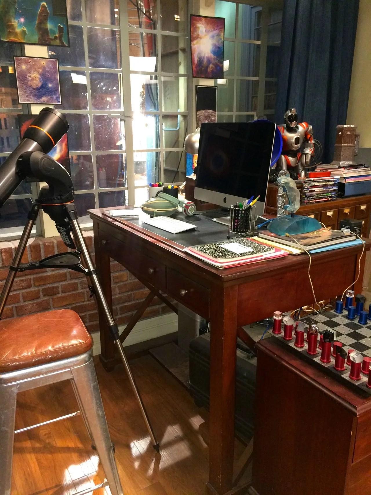 The Big Bang Theory BehindtheScenes Set Photos and