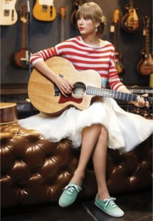 Taylor Swift Wearing Keds