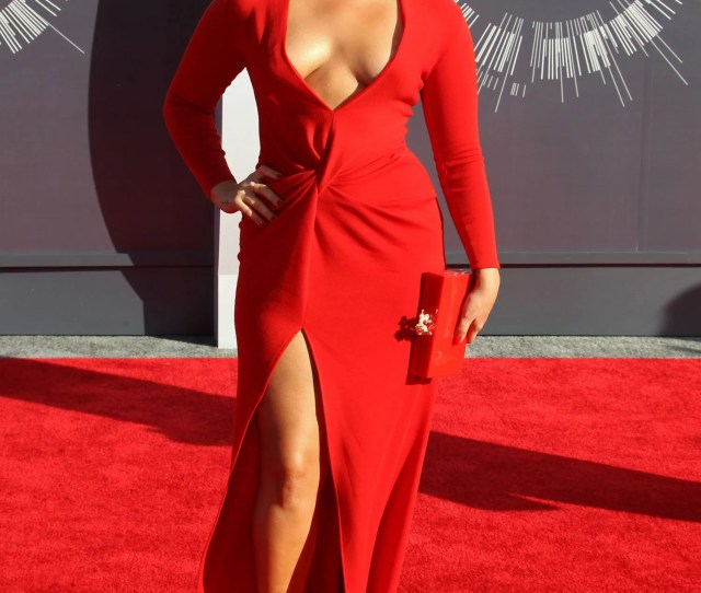 What Are We Calling The Glam Latina Trend At The Video Music Awards S O S Show Our Skin Glamour