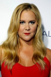 amy schumer wore red lipstick