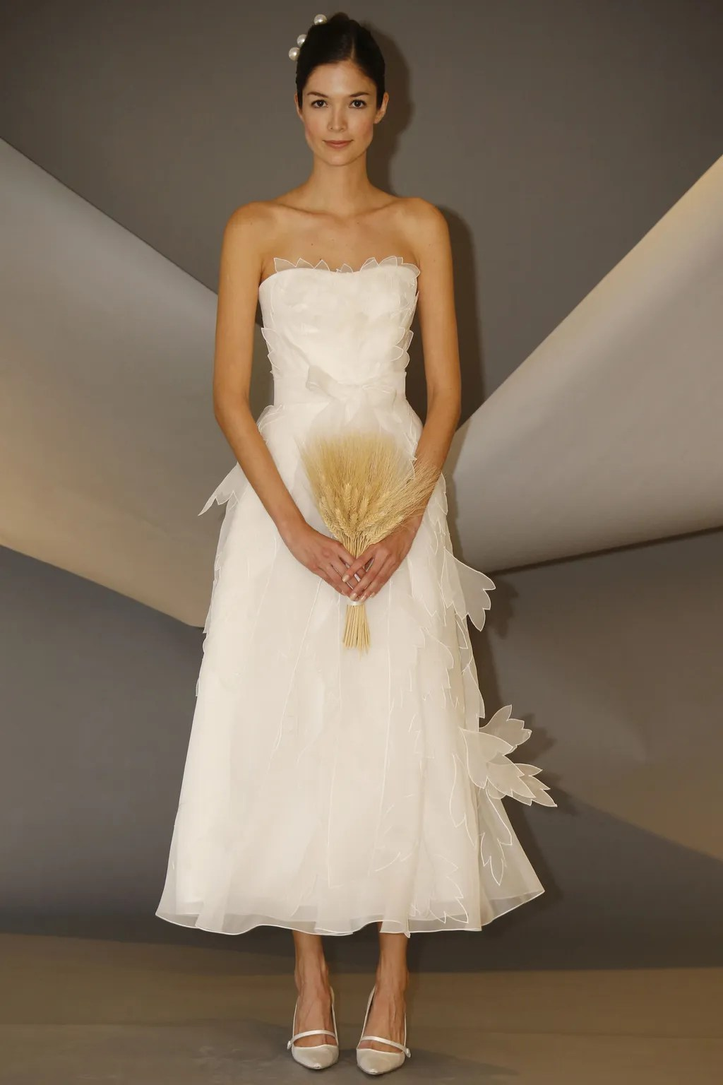 10 Short Wedding Dresses From Carolina Herreras Latest CollectionSome Sexy Some Sweet  Glamour