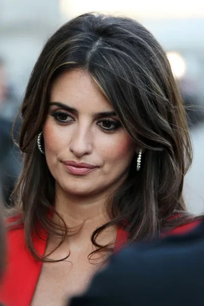 A Simple Hair Trick To Steal From Penelope Cruz Glamour