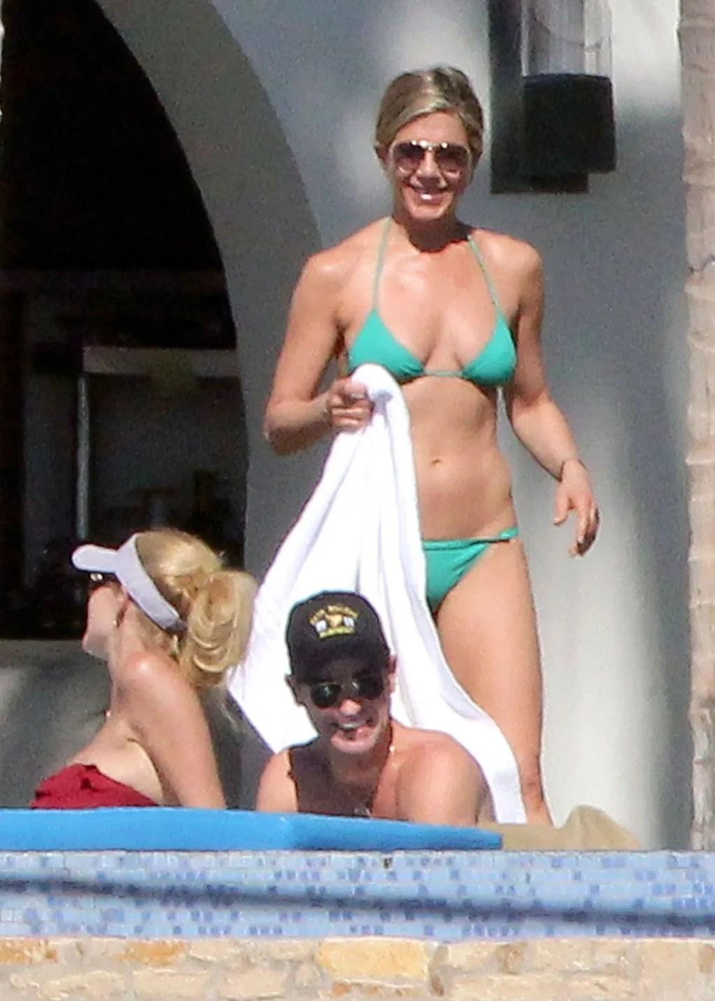 JJennifer Aniston Says Bikinis Have No Age Limit and She