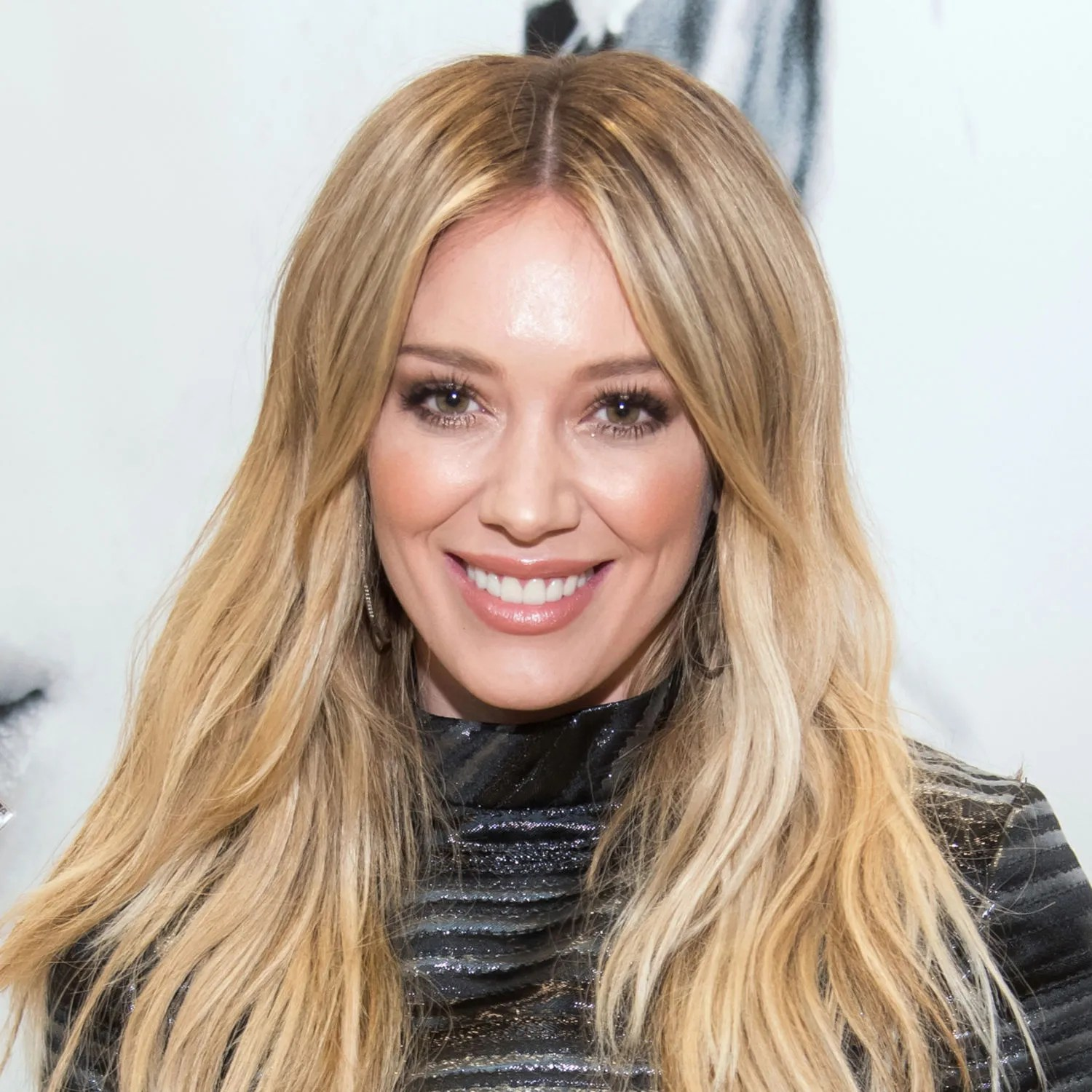 Hilary Duff Just Got The Most Flattering Kind Of Bangs Glamour