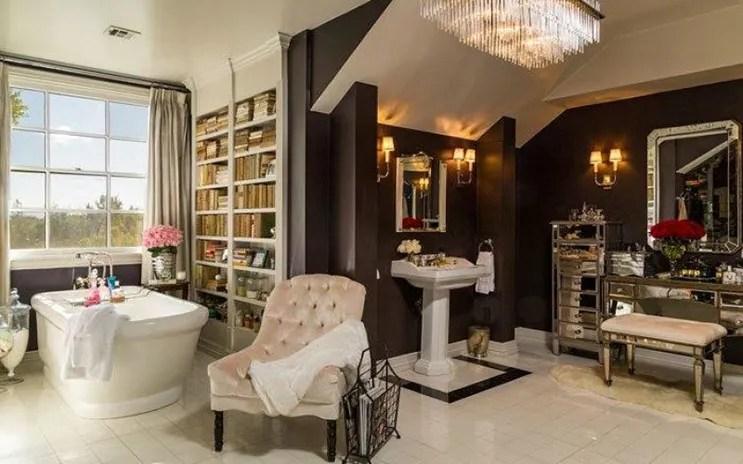 jlo-home-listing-beauty-salon.jpg