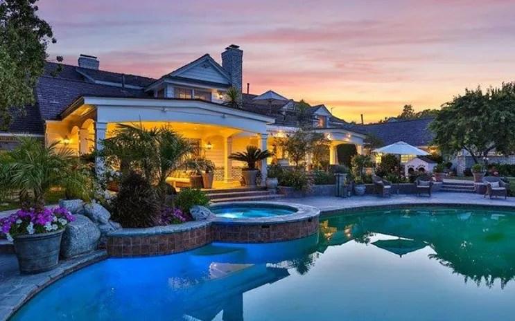 jlo-home-listing-pool-sunset.jpg