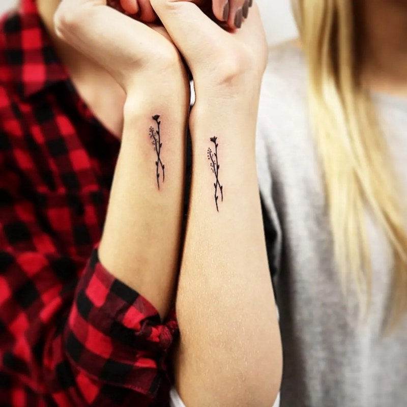 Cute Tiny Wrist Tattoos You'll Want to Get Immediately ...