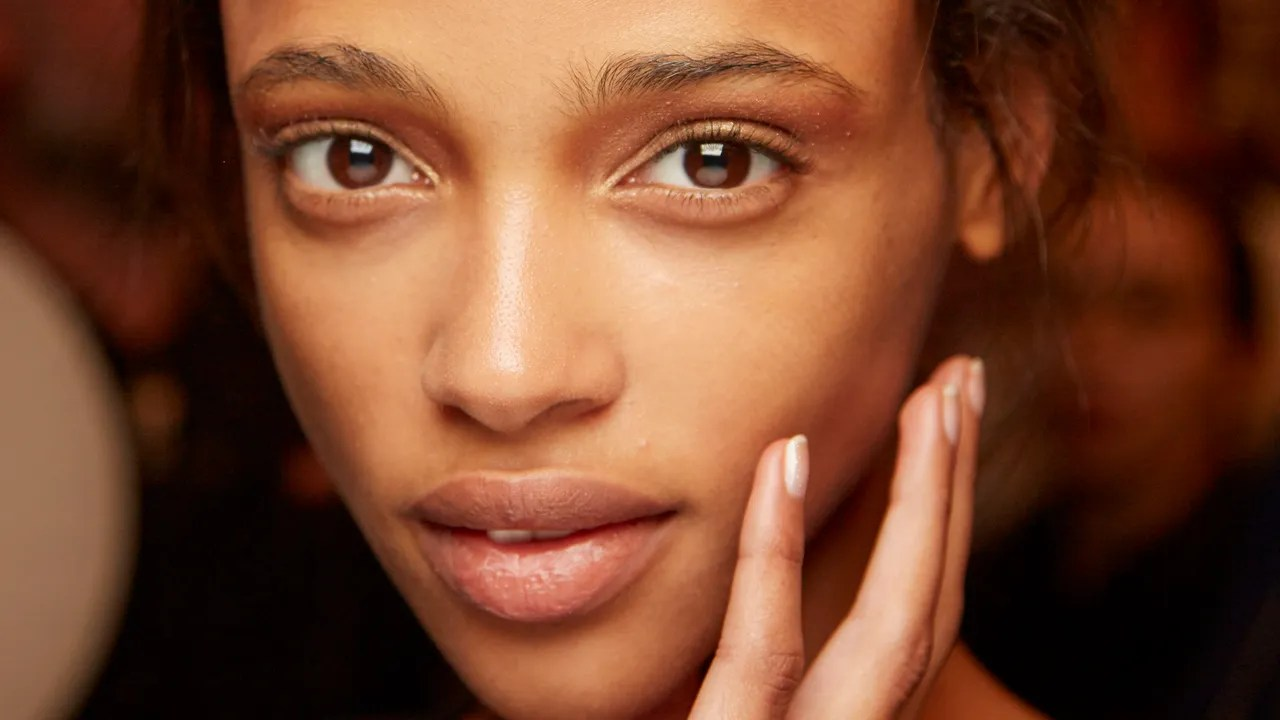 11 Genius Skin Care Tips Found on Reddit That Actually