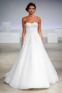 49 Gorgeous Wedding Dresses Youve Never Seen Before | Glamour