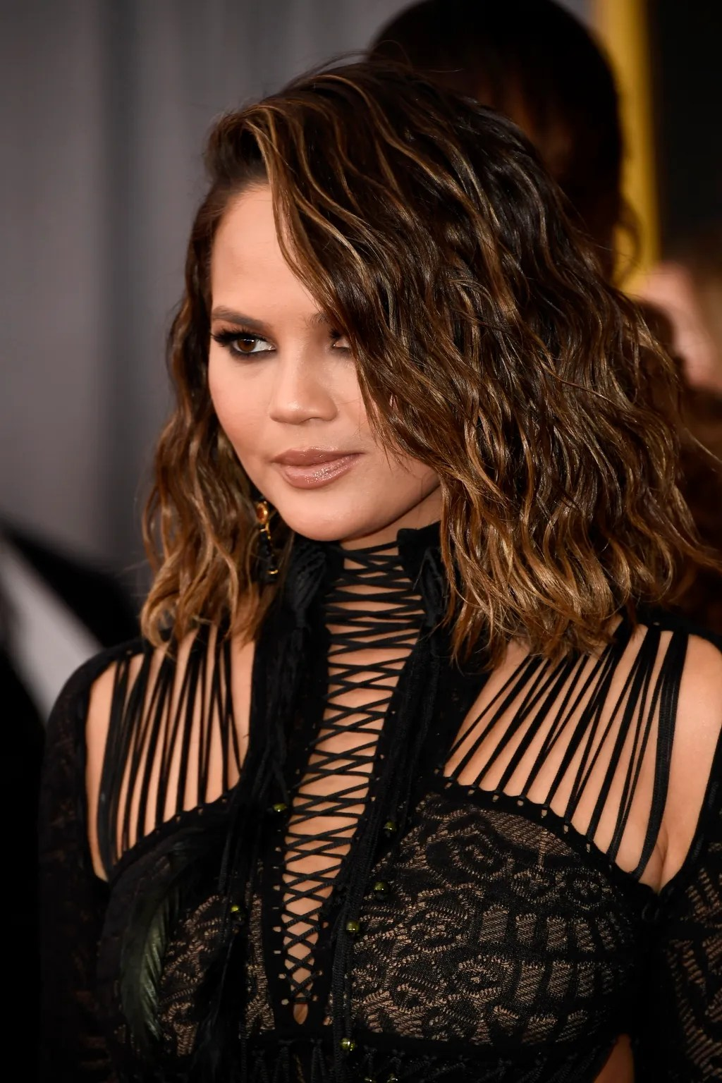 Chrissy Teigens New Haircut Deserved Its Own Award At The