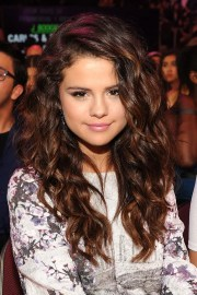 selena gomez's hair changed