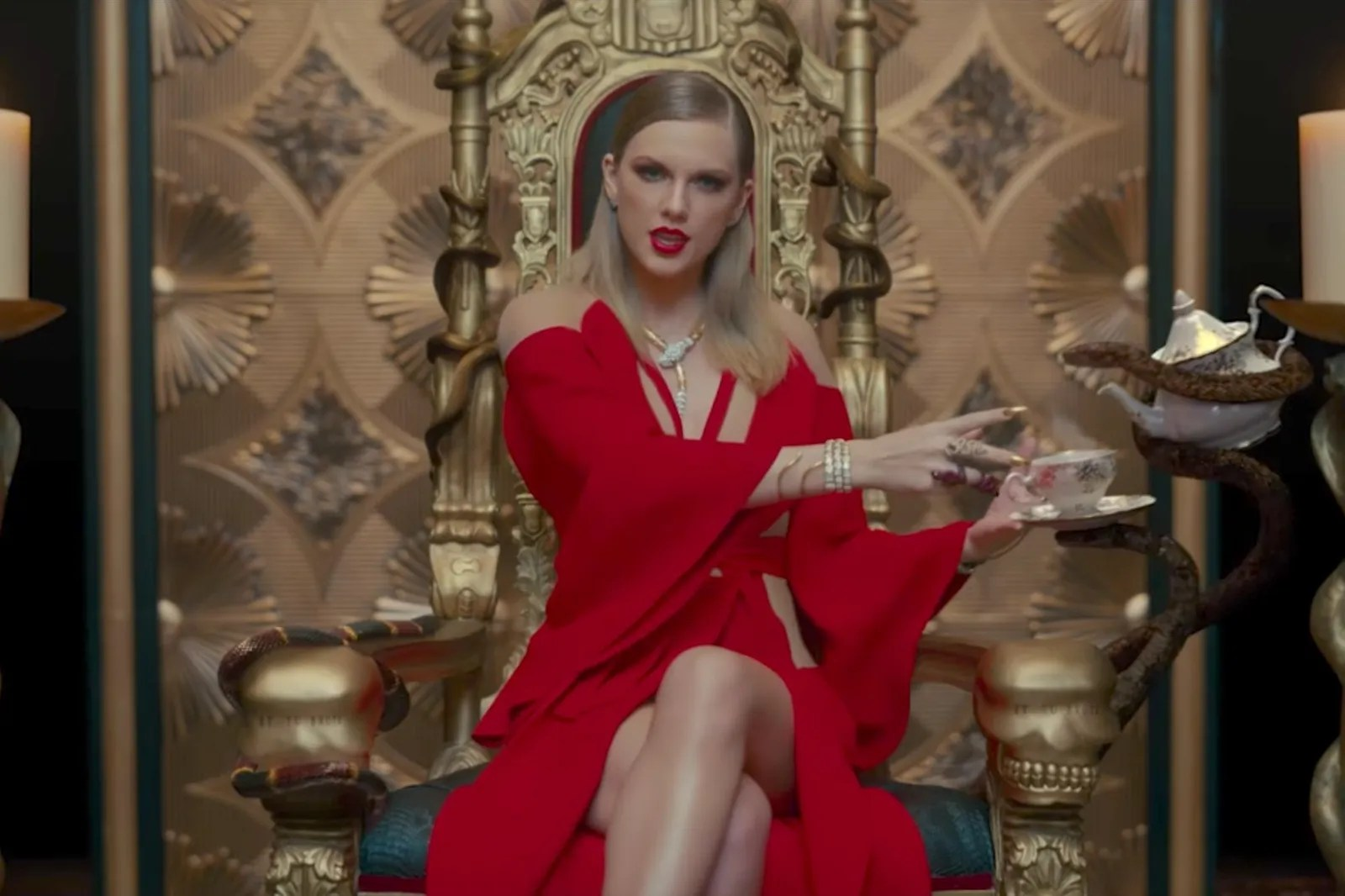 The Yellow Wallpaper Quotes Of Madness How Taylor Swift Is Counting On Fashion To Change Her