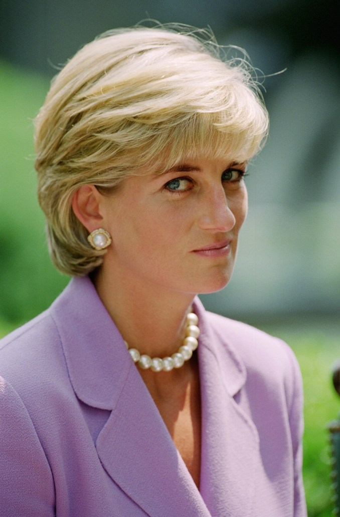 this is the real story behind princess diana's iconic