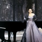 Lady Gaga S Golden Globes 2019 Look Is A Throwback To Judy Garland S A Star Is Born Glamour