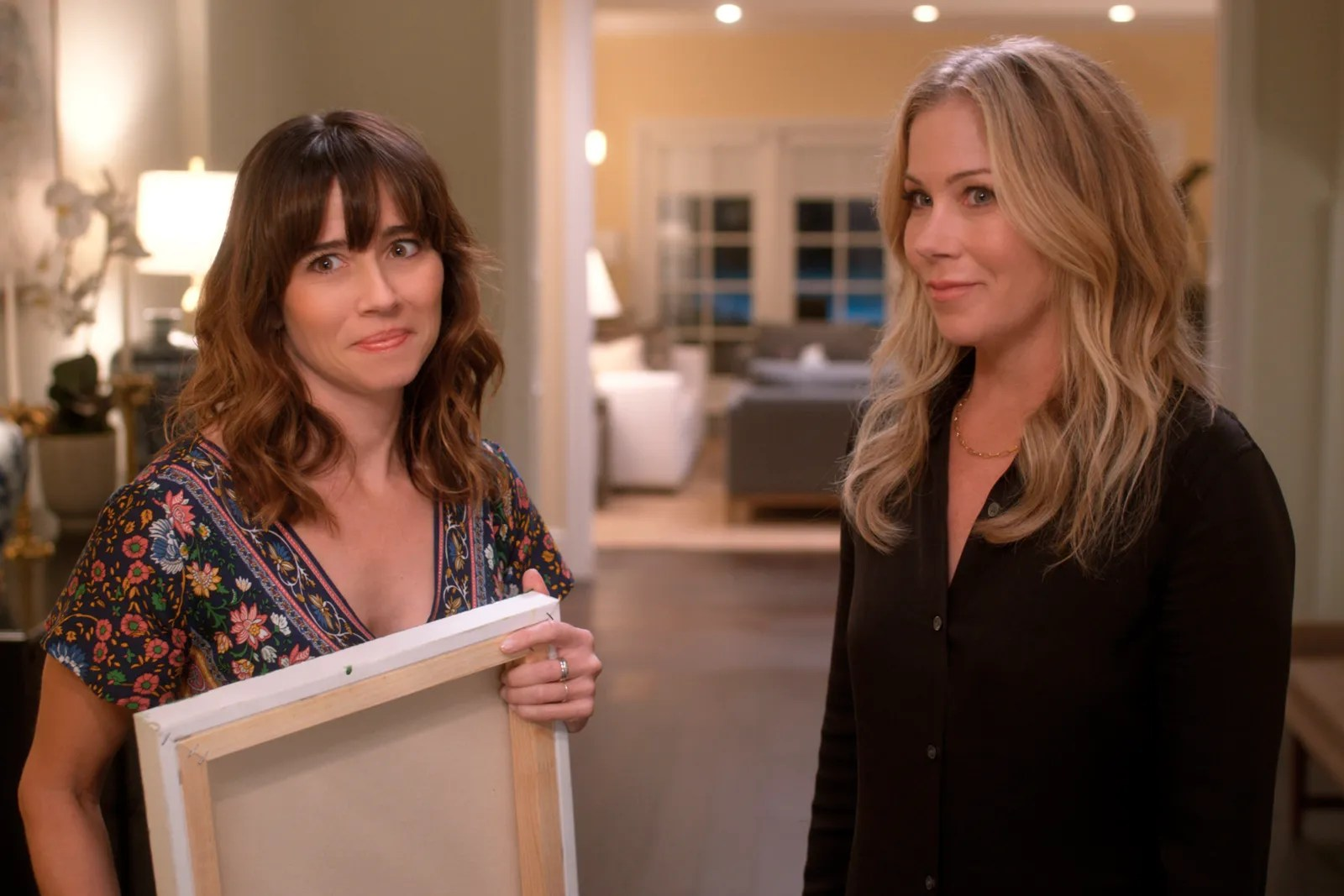 Dead to Me' Star Linda Cardellini Had One Very Important Request for Her Character | Glamour Emmy Awards