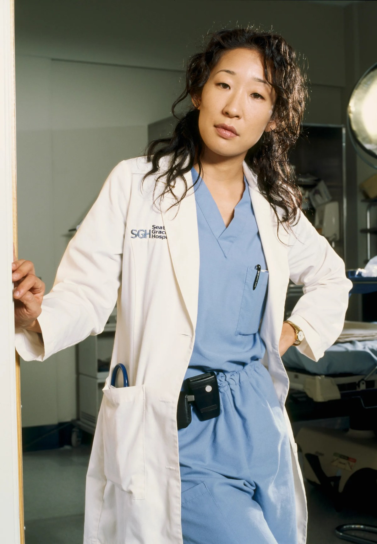 Grey's Anatomy': Sandra Oh Says She Fought With the Writers and Shonda  Rhimes Over Storylines | Glamour