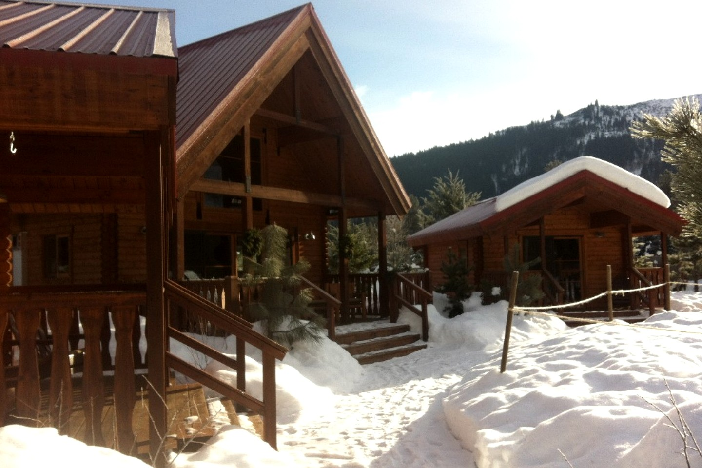 Cabin Rental with Pool in Leavenworth