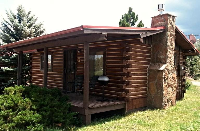 Log Cabin Rental in Greer Arizona