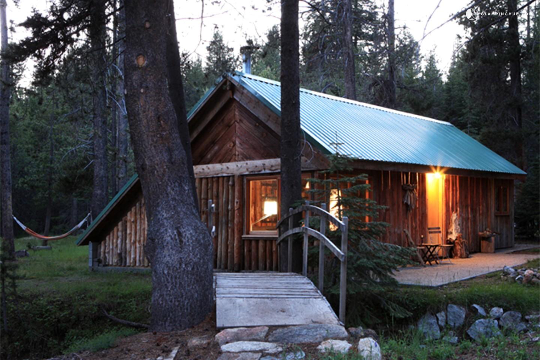 Log Cabin next to Yosemite National Park California