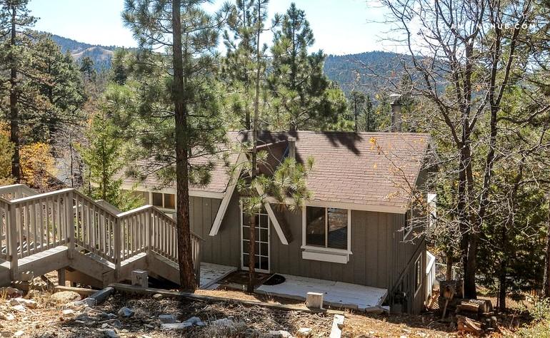 Vacation Cabin near Bear Mountain in San Bernardino