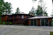 Tree House Rental with Hot Tub
