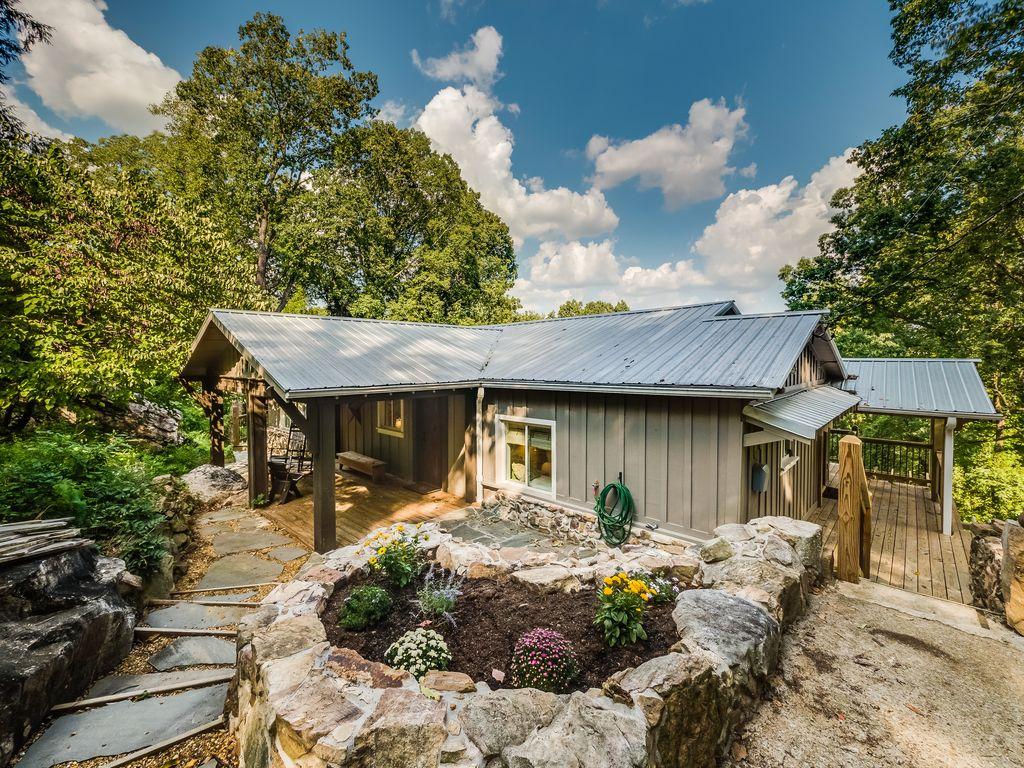 Cabin Rental near Ruby Falls Tennessee