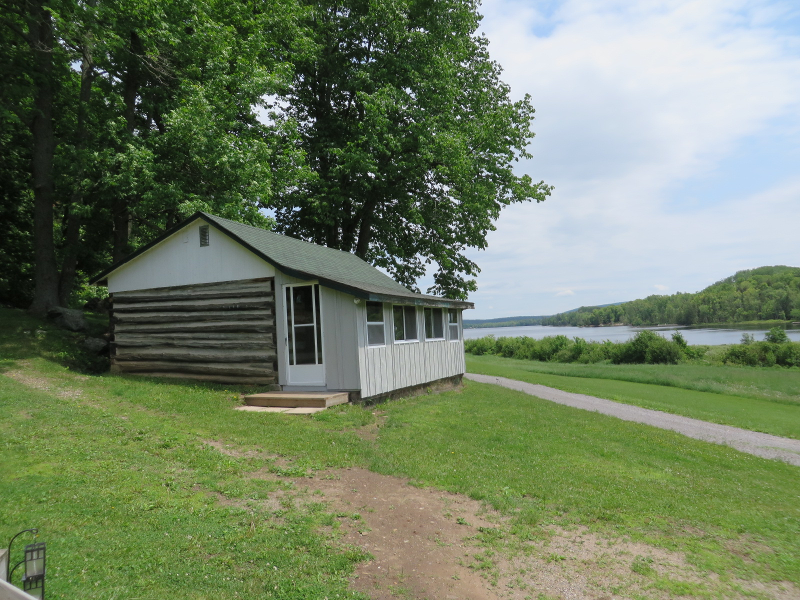 Lakefront Cabin Rental Surrounded by Nature in Renfrew