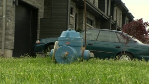 Sunken fire hydrant has Vaudreuil residents puzzled