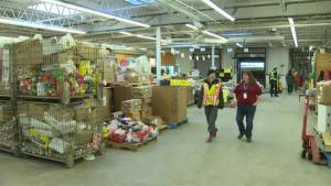 Manitoba charities feel hit as Canada at 10-year donation low (01:31)