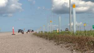 Calgary crews install cable barrier along Stoney Trail