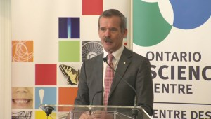 Colonel Chris Hadfield receives NSERC award at the Toronto Science centre