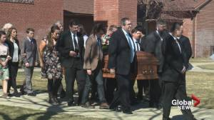 Hundreds attend funeral for MP Jim Hillyer (02:25)
