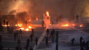 Protesters hurl firebombs at police in Athens