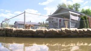 Flooded B.C. homeowners victimized by looters