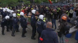 'Yellow vest' protesters scuffle with police in Brussels amid EU elections