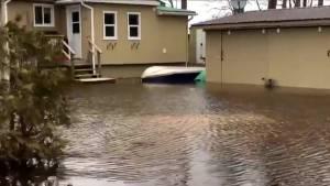 Homes along Ottawa River left flooded