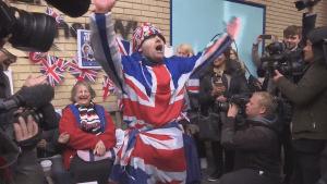 Royal fans celebrate birth of baby princess