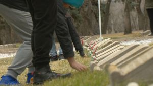 Regina students honour Canadian veterans in No Stone Left Alone ceremony