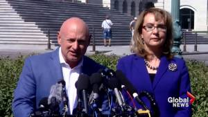 Gabrielle Giffords, Mark Kelly renew call for gun control laws in wake of Las Vegas shooting