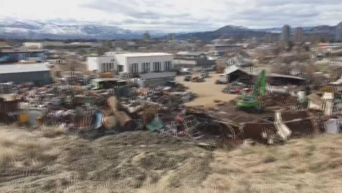 Click to play video: Knox Mountain slide threatening Kelowna business