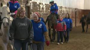 Volunteers at the heart of horseback riding program (03:25)