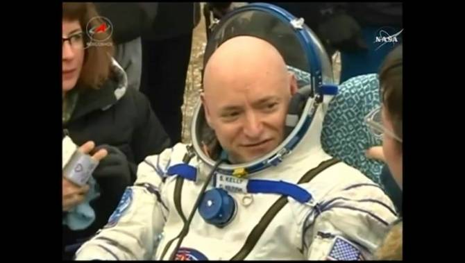 astronaut returns after one year in space - photo #3