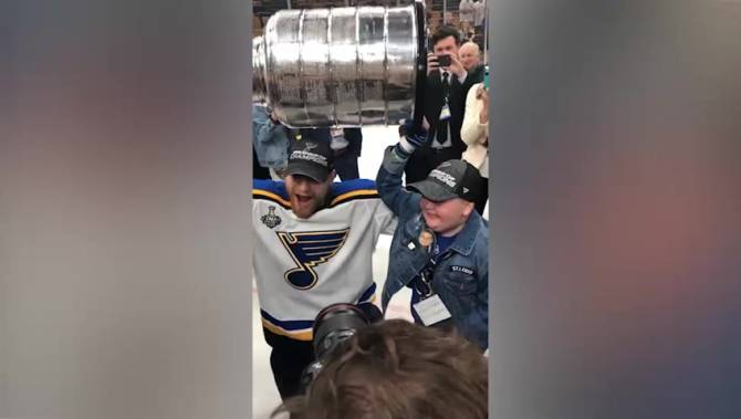 Laila Anderson, Blues superfan recovering from rare illness, hoists Stanley Cup