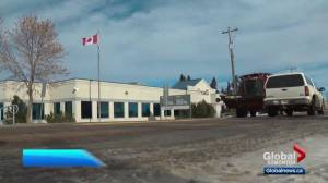 Report suggests Alberta town will suffer if government office closes