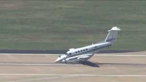 Pilot successfully lands plane after nose gear fails