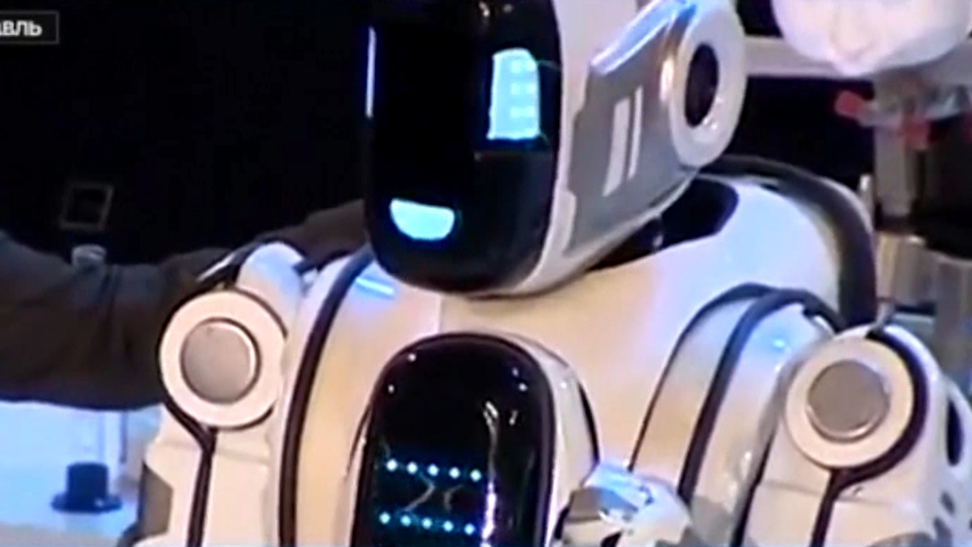Russian TV lauds guy in robot suit as