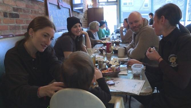 Montrealers upset with impending closure of St-Viateur Bagel in Monkland Village
