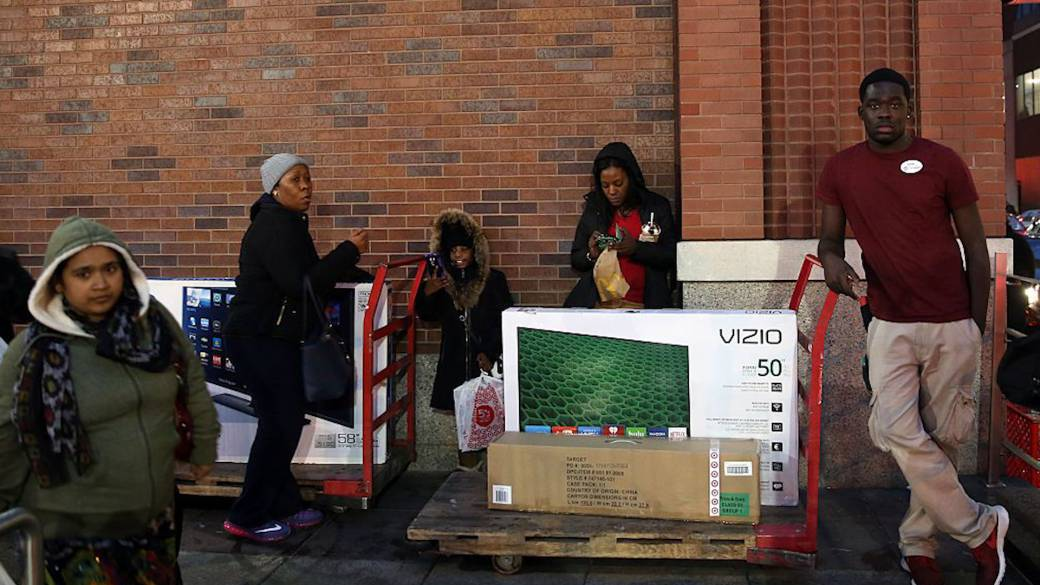 When is Black Friday? Shopping tips to score the best deals