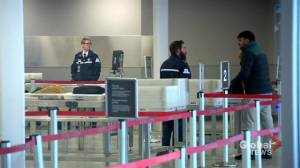 Passenger's experience at Saskatoon airport highlights need to arrive early (01:59)